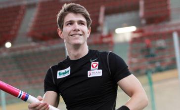 Lukas Wirth überquert 5,05m