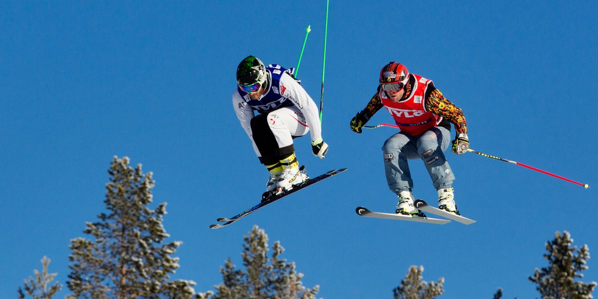 IDRE,SWEDEN,14.FEB.16 - FREESTYLE SKIING - FIS World Cup, Ski Cross. Image shows Thomas Zangerl (AUT) and Brady Leman (CAN). Photo: GEPA pictures/ Matthias Hauer