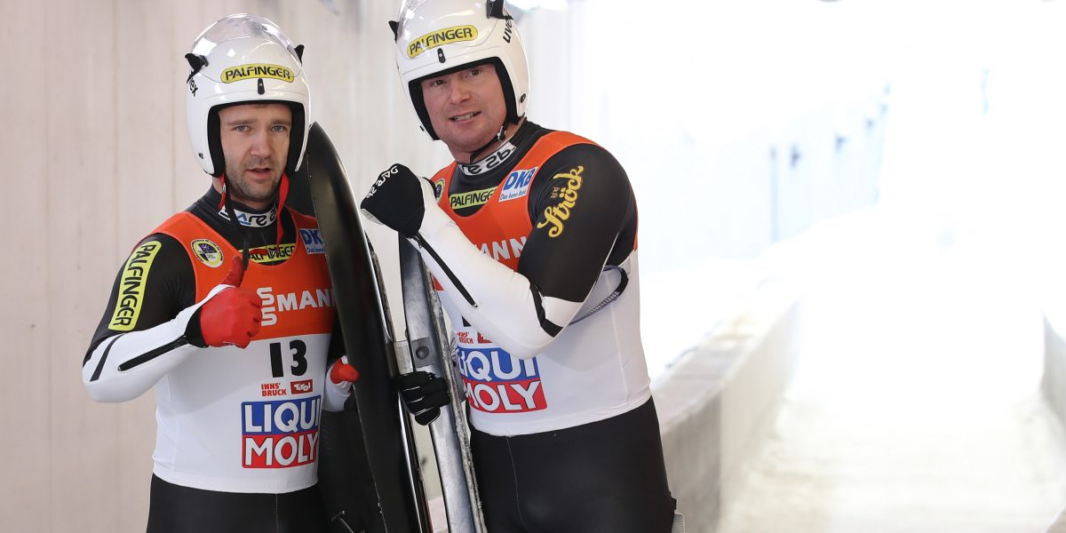 INNSBRUCK,AUSTRIA,28.JAN.17 - LUGE - FIL World Luge Championships, artificial track, doubles, men. Image shows Georg Fischler and Peter Penz (AUT). Photo: GEPA pictures/ Andreas Pranter