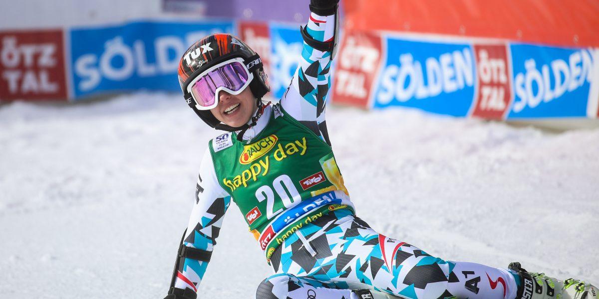 SOELDEN,AUSTRIA,22.OCT.16 - ALPINE SKIING - FIS World Cup season opening, Rettenbachferner, giant slalom, ladies. Image shows the rejoicing of Stephanie Brunner (AUT). Photo: GEPA pictures/ Christian Walgram