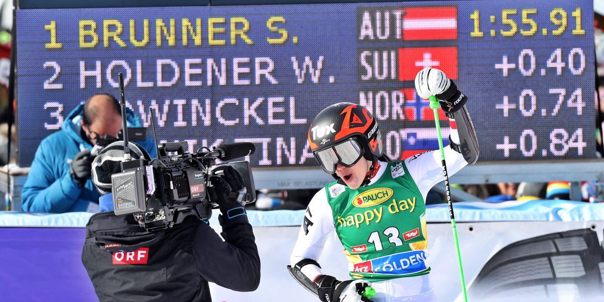 SOELDEN,AUSTRIA,28.OCT.17 - ALPINE SKIING - ALPINE SKIING - FIS World Cup season opening, Rettenbachferner, giant slalom, ladies. Image shows Stephanie Brunner (AUT). Photo: GEPA pictures/ Markus Oberlaender