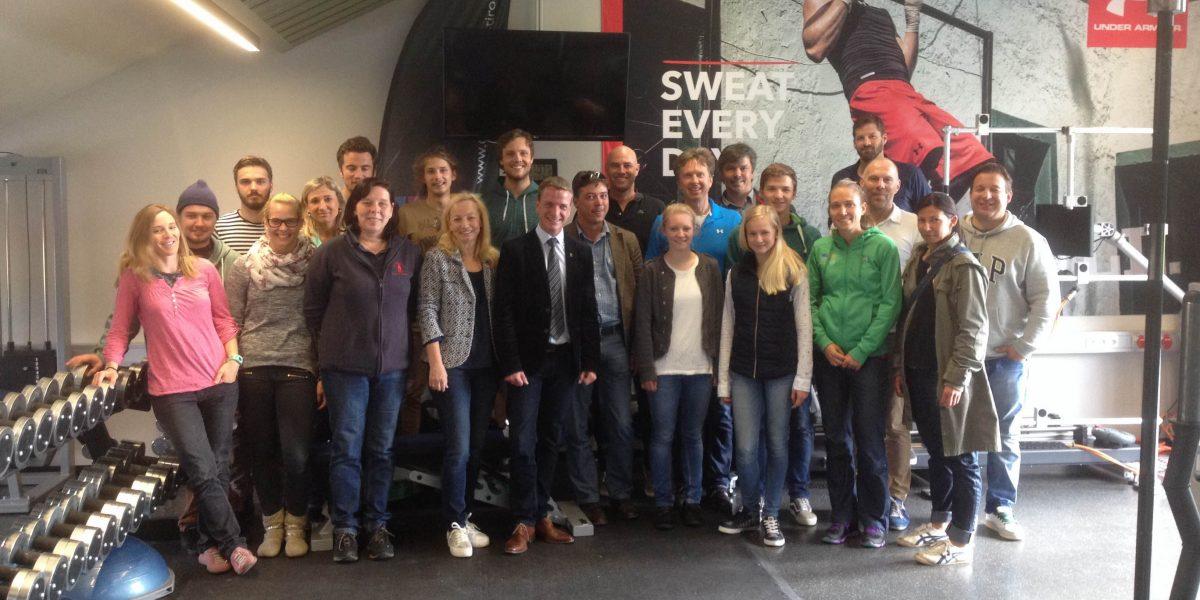 Foto: Kick Off Meeting mit Hr. VBGM Kaufmann und Hr. AV Niescher samt TrainerInnen-Team der Innsbrucker Vereine im Campus Sport Tirol Innsbruck Olympiazentrum
