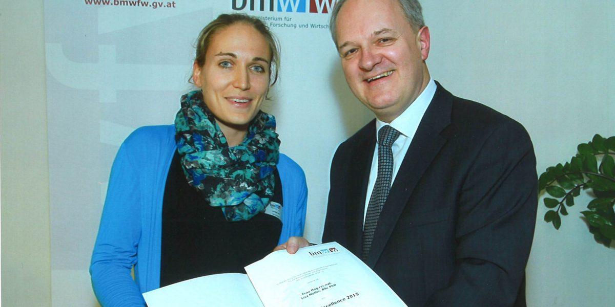 Urkundenvergabe Award of Excellence Lisamade